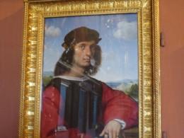 ラフアエロ自画像。凄い、女性にもてたらしい。絵画のモーツアルトともいわれtる。亡くなった年も同じ36歳。