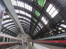 ミラノ駅プラットフォーム。映画「ひまわり」の最後の名場面。