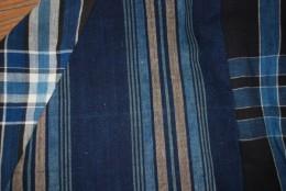 いろいろな昔の布団地から接ぎ合せて1枚のフードコートに仕立てました。
