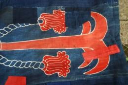 錨の紅花染めの筒描き。山陰の物。かなり古く、補修を沢山いたしました。