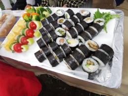 美代ちゃん海苔巻。8種類のいろいろな海苔巻です。ウナギも入っていました。ヤマゴボウ、明太子、オクラ、山芋、セロリの佃煮、キュウリ、玉子焼き