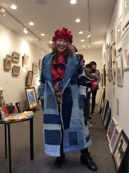 広尾は大使館が沢山あるので、外国に来たかのような、錯覚になります。 この、コート、外国人にメチャ褒められた。説明が難しい。襤褸。