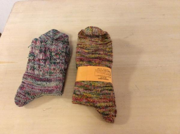 山のようにあった長野小谷村の靴下。2足になりました。