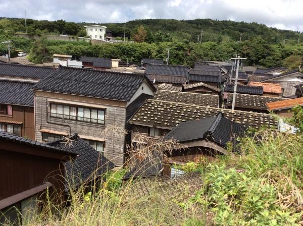 約1ヘクタールの土地に110棟の建物が密集する。