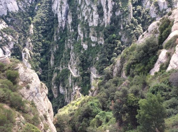 モンセラードの奇岩。 大昔は、海底だったという。