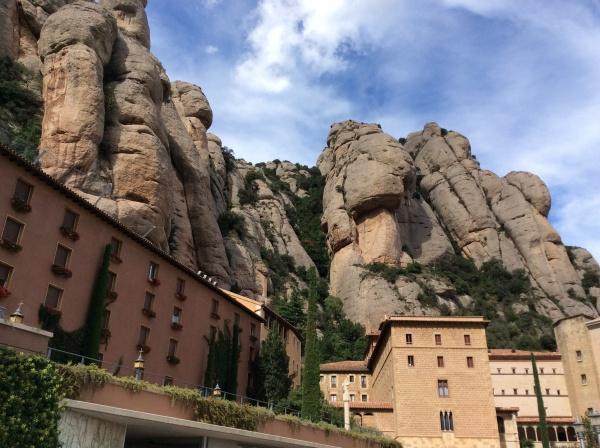 ガウディも建築は、モンセラードの山から、イメージしたとされる。