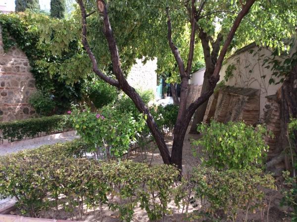 グレコ博物館庭。