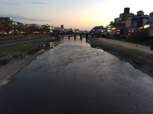 鴨川に出ました。