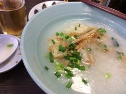 中華街おかゆ屋さんのお粥。