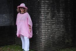 ピンク麻のポンチョブラウスです。 帽子も共で作りました。