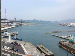 会場から見た、小倉の海。