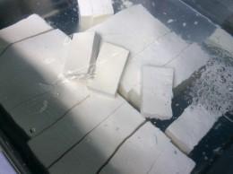 大山豆腐。 小出豆腐屋さん。 大山の湧き水を使っているから、 メチャ美味しい!
