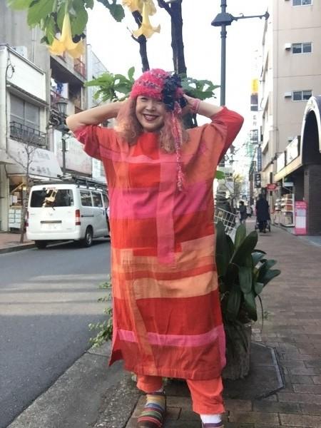 紅花ワンピース。 もう、希少で作れない。名倉奈美さんの作品。