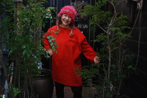 綺麗な色の紅花。 お見せするだけで注文なんです。 北海道のお客さまが根気よく1年待ってくれました。 こんな良い紅花は昨今手に入らな~い。