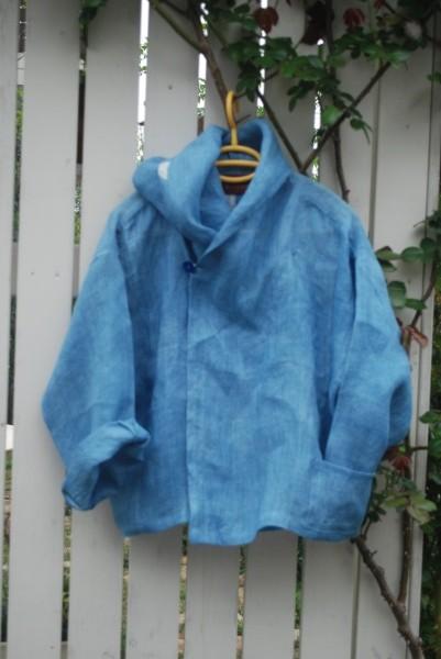 もう1枚作りました。 爽やかな浅黄藍のフードジャケットです。
