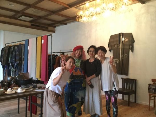 ヨガの先生もファッションショーに協力いてくれるとか。