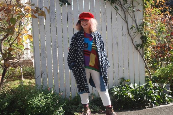 25年以上着ている愛用コートです。 袖口もボロボロ。何度も修理しました。 この季節になると、出してきます。
