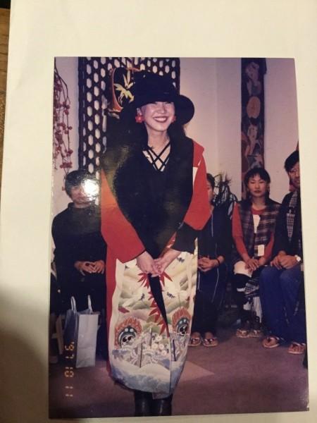 このギャラリーは、22年前に、初めて国立で個展をした所です。 初日からファッションショーをしました。 22年前、若いかな?