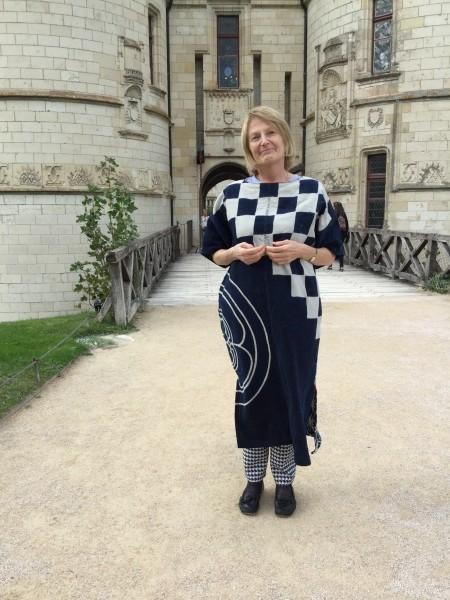 パリジャンヌのお母様も中々着こなします。