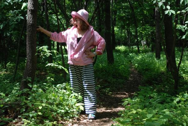16-11ピンク麻フードジャケット、馬の手綱パンツ